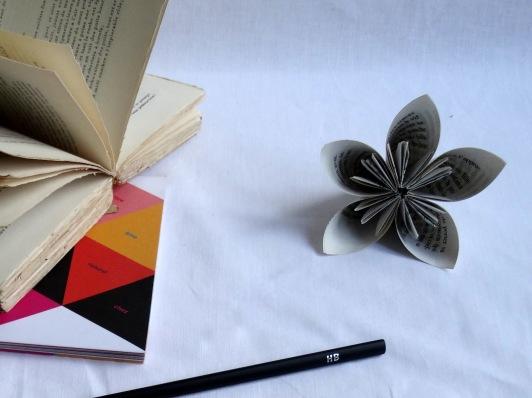Fleur de papier: une ancolie / paper folwer : a columbine