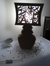 Lampe-en-carton-LesIDÉes-d'ÉDIth (1)