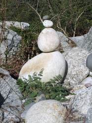 Rock-balancing-Les-IDÉes-d'ÉDIth.4