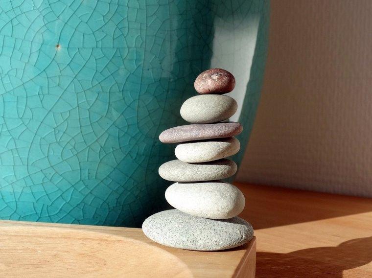 Rock-balancing.Les-IDÉes-D'ÉDIth.com.Une